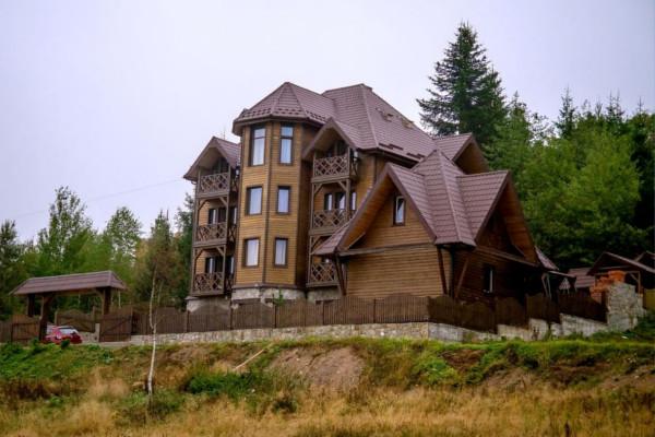 Отель 'Под лесом'