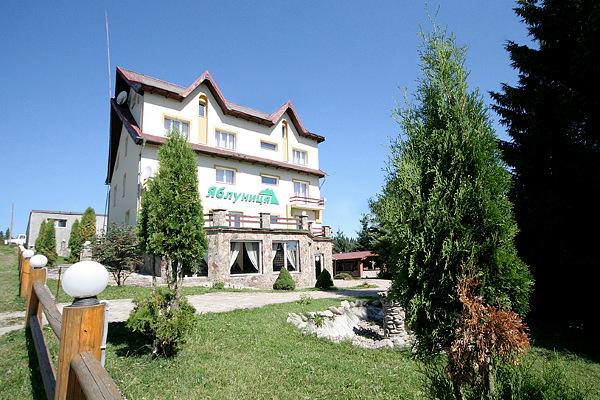 Готель 'Яблуниця'