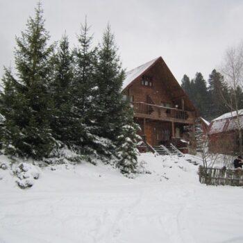 Бойковский двор зимой