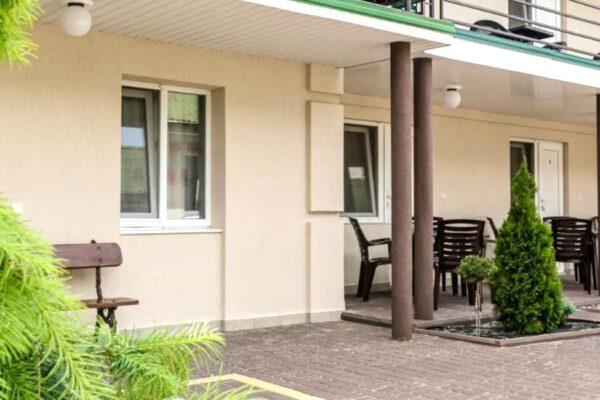 Гостьовий будинок «Агат» у Бердянську - фото