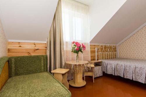 Отель «Ривьера Плюс» - номер «Комфорт трехместный»