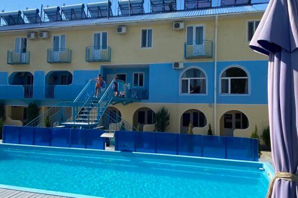 Гостиничный комплекс «Аквамарин» в Затоке - фото