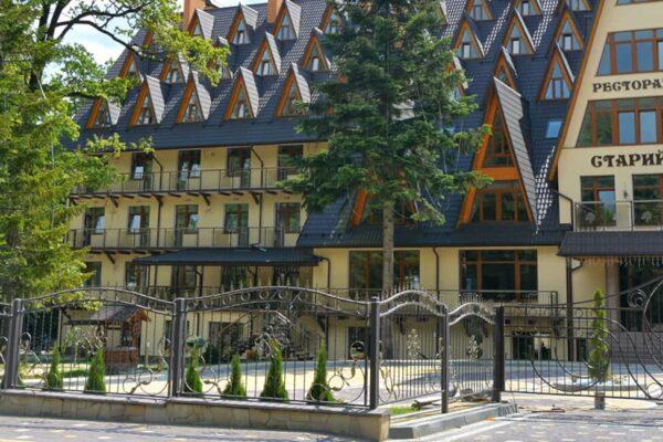 Готельно-Оздоровчий комплекс «Старий Дуб»